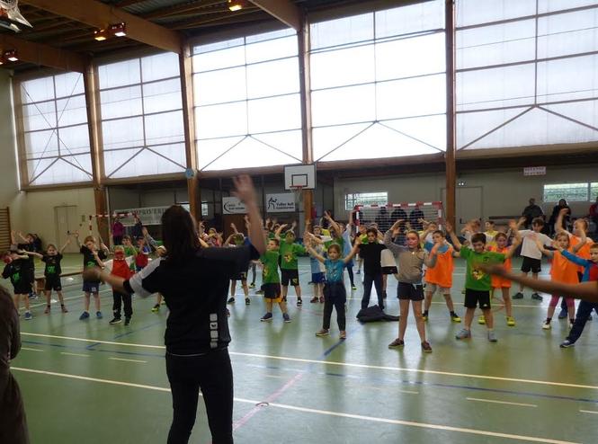 Mini handball tour a chateauneuf slidesjs 1